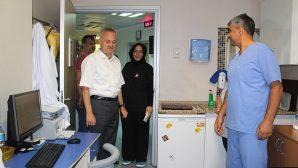 Saldırıya uğrayan sağlık çalışanlarına ziyaretler sürüyor