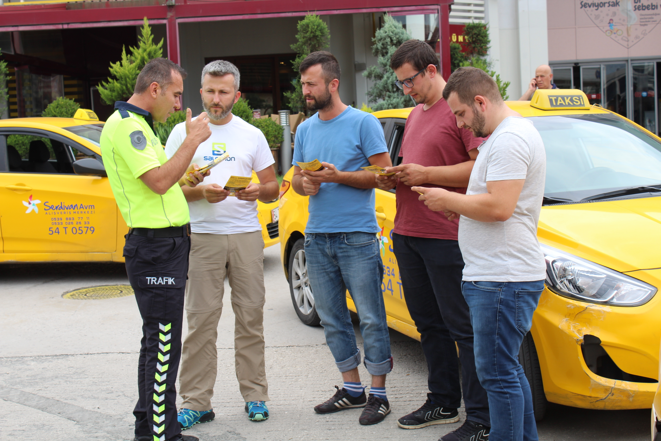 Trafik Polisleri Taksi Şoförlerini bilgilendirdi.