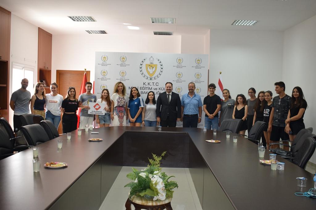 Sakaryalı Öğrenciler Kıbrıs'tan mutlu döndü