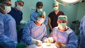Böbrek Nakli Merkezinden bir ilk daha: Yüksek riskli hasta böbrek nakli yapıldı.