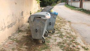 CHP Arifiye Bayramda Çöp şikayeti dinledi