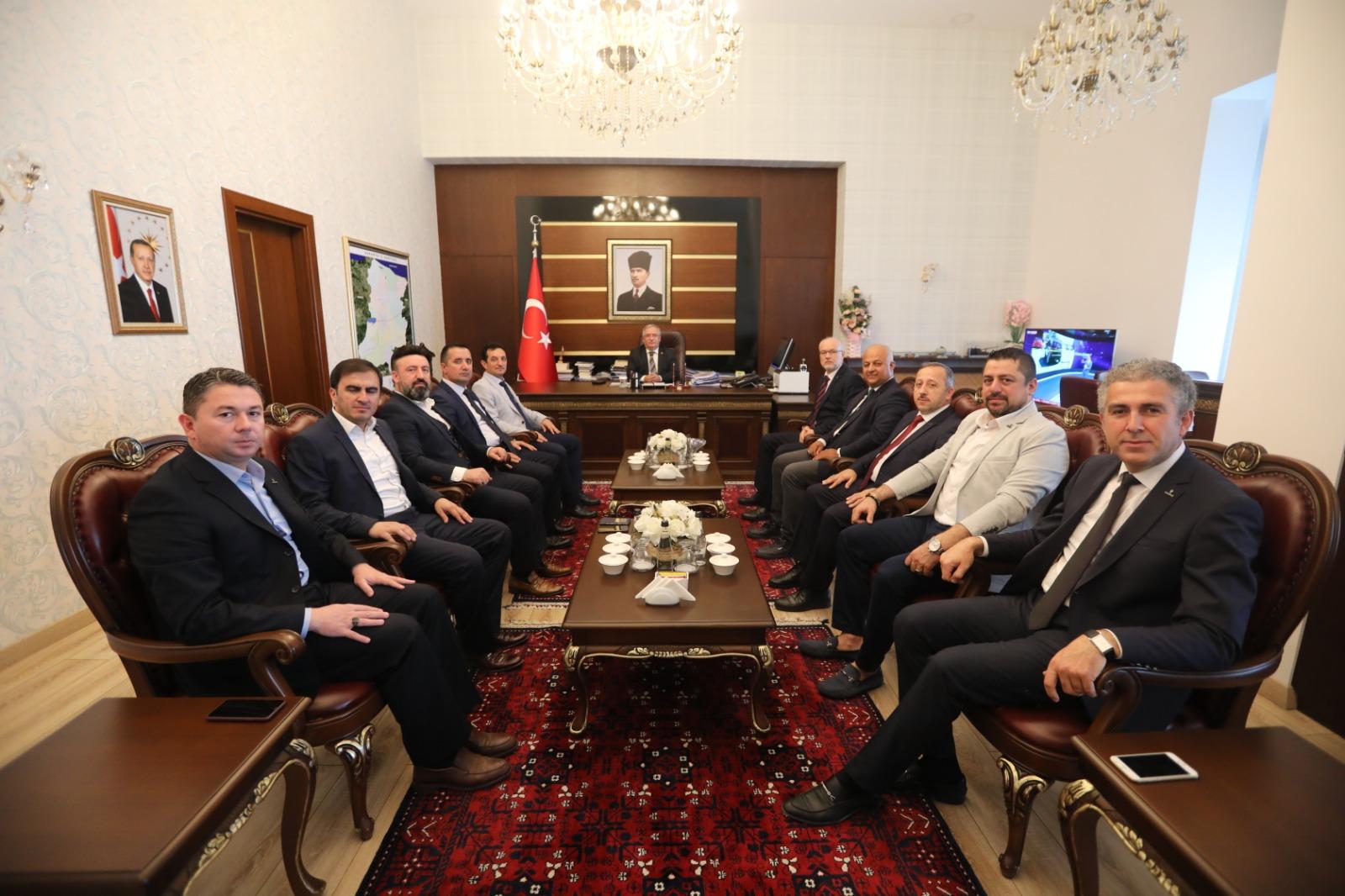 TÜMSİAD'ın yeni yönetiminden Vali Nayir'e ziyaret..