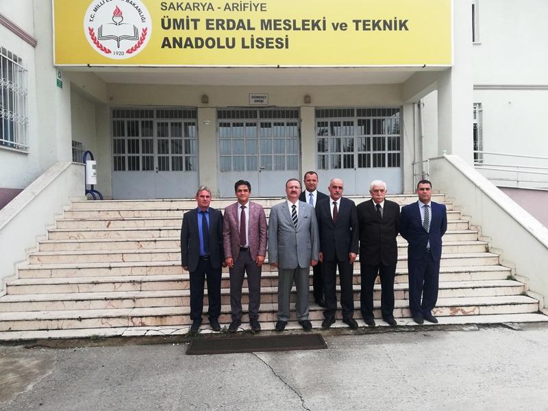Kaymakam DINKIRCI, Ümit Erdal Mesleki ve Teknik Anadolu Lisesini ziyaret etti.