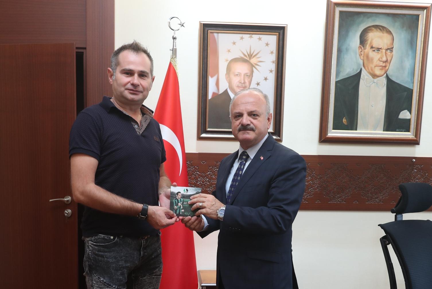 Sanatçı Yener'den Eskişehir  Valisi Çakacak'a ziyaret…