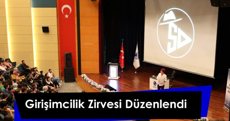 """Sakarya Üniversitesi Genç Girişimciler Öğrenci Topluluğunun (GGK) """"Girişimcilik Zirvesi 2019"""" adlı etkinlik düzenledi."""