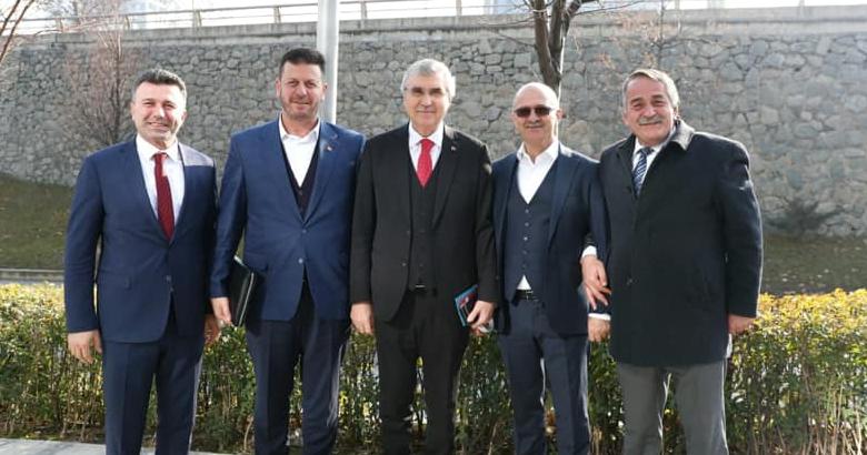 """Başkan Karakullukçu """"Akıllı Şehirler ve Belediyeler""""buluşmasında."""