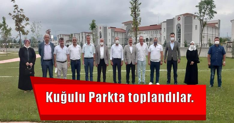 Ak Parti Arifiye Belediye Meclis Grubu Kuğulu Parkta toplandı.