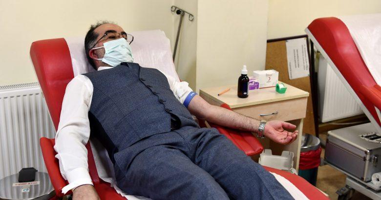 Rektör Savaşan'dan Kan Bağışı Çağrısı