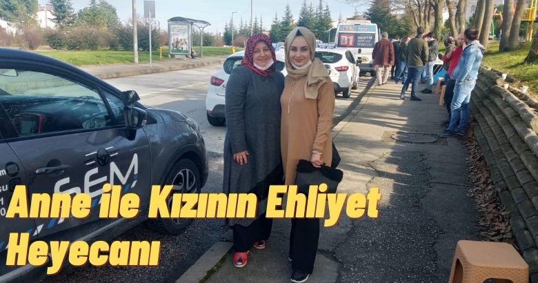 Anne ile Kızının Ehliyet Heyecanı