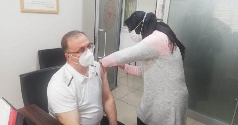 Kaymakam Bekir Dınkırcı,Covid-19 aşısını oldu.