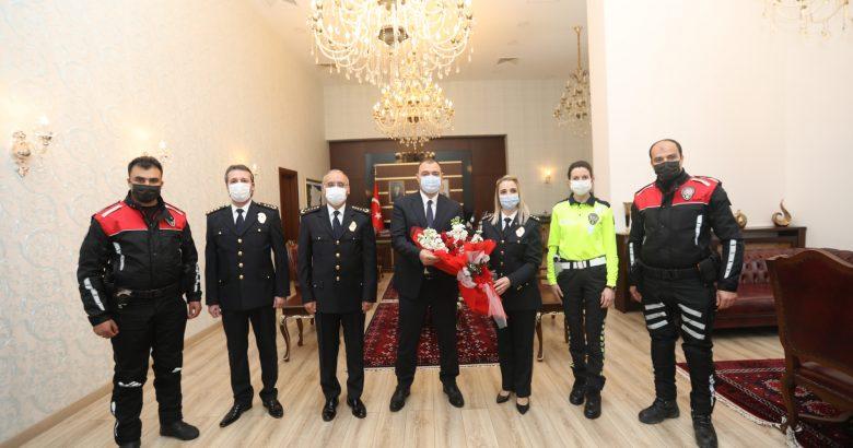 """Vali Kaldırım'a """"10 Nisan Polis Haftası"""" Ziyareti"""