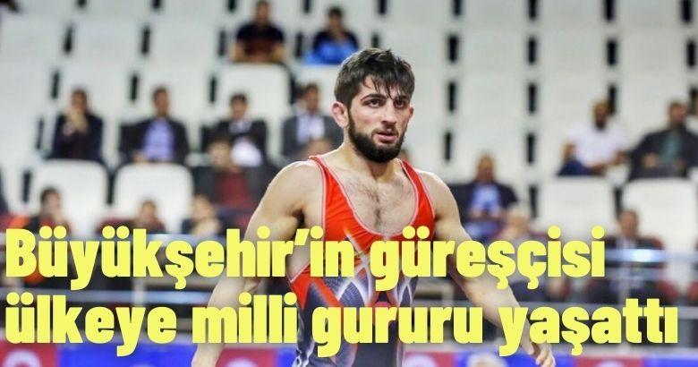 Ensar Karabacak 67 kiloda bronz madalya kazandı.