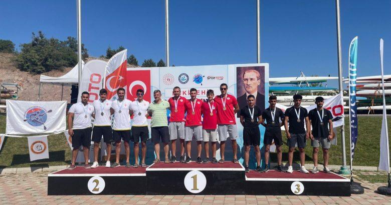 Kano'da Büyükşehirli sporcular madalyaları göğüsledi