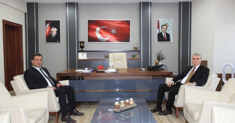 Başkan Yüce, Milli Eğitim Müdürü Savaşçı'yı ziyaret etti