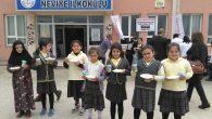Arifiye Neviye ilkokulunda öğrencilere ikram