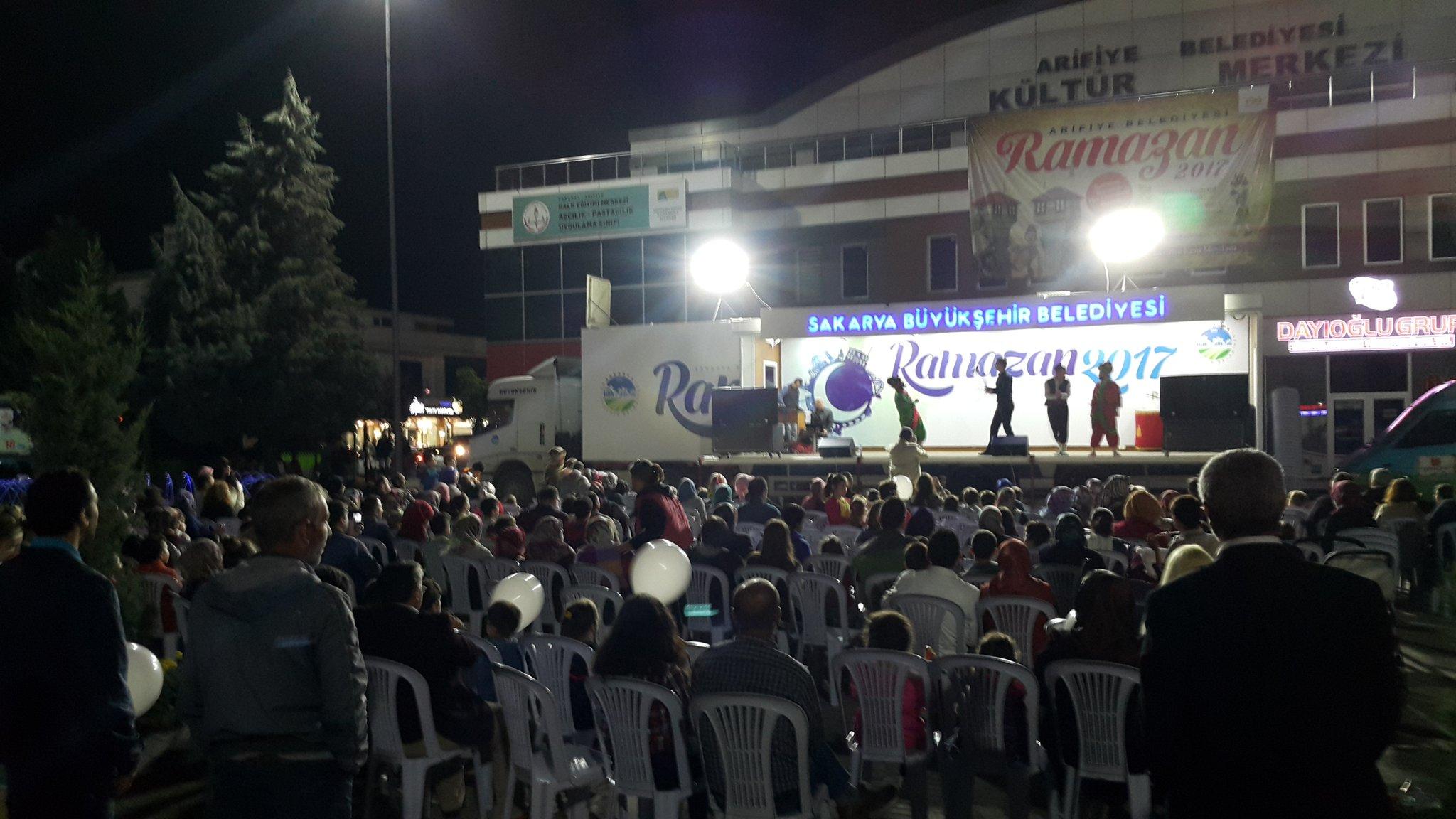 Mobil Etkinlik Tırı Arifiye'de gösteri yaptı