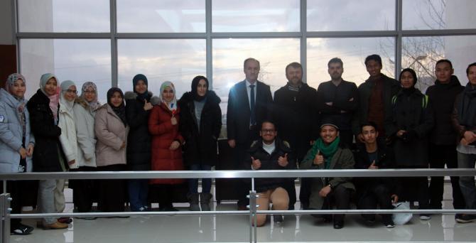 Malezyalı Öğrenciler İlahiyat Fakültesinde Eğitim Alacak