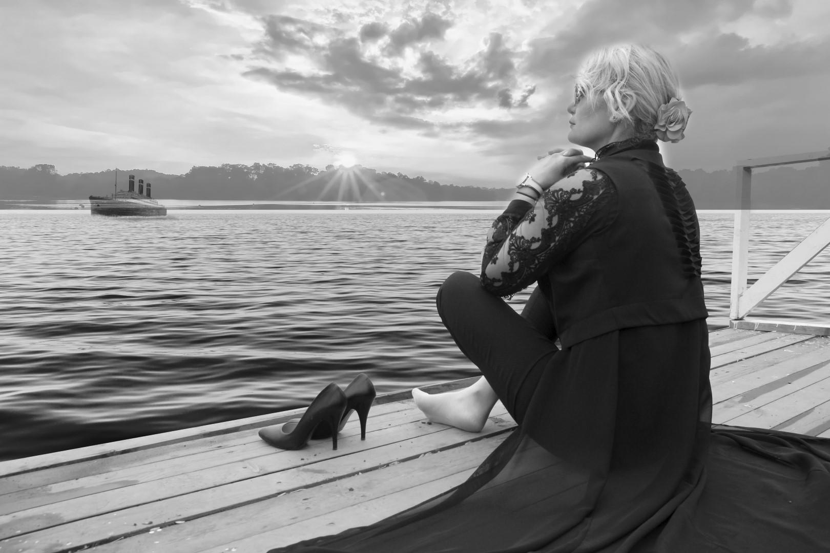 Yasmin Korkut'un şiir albümü çıktı