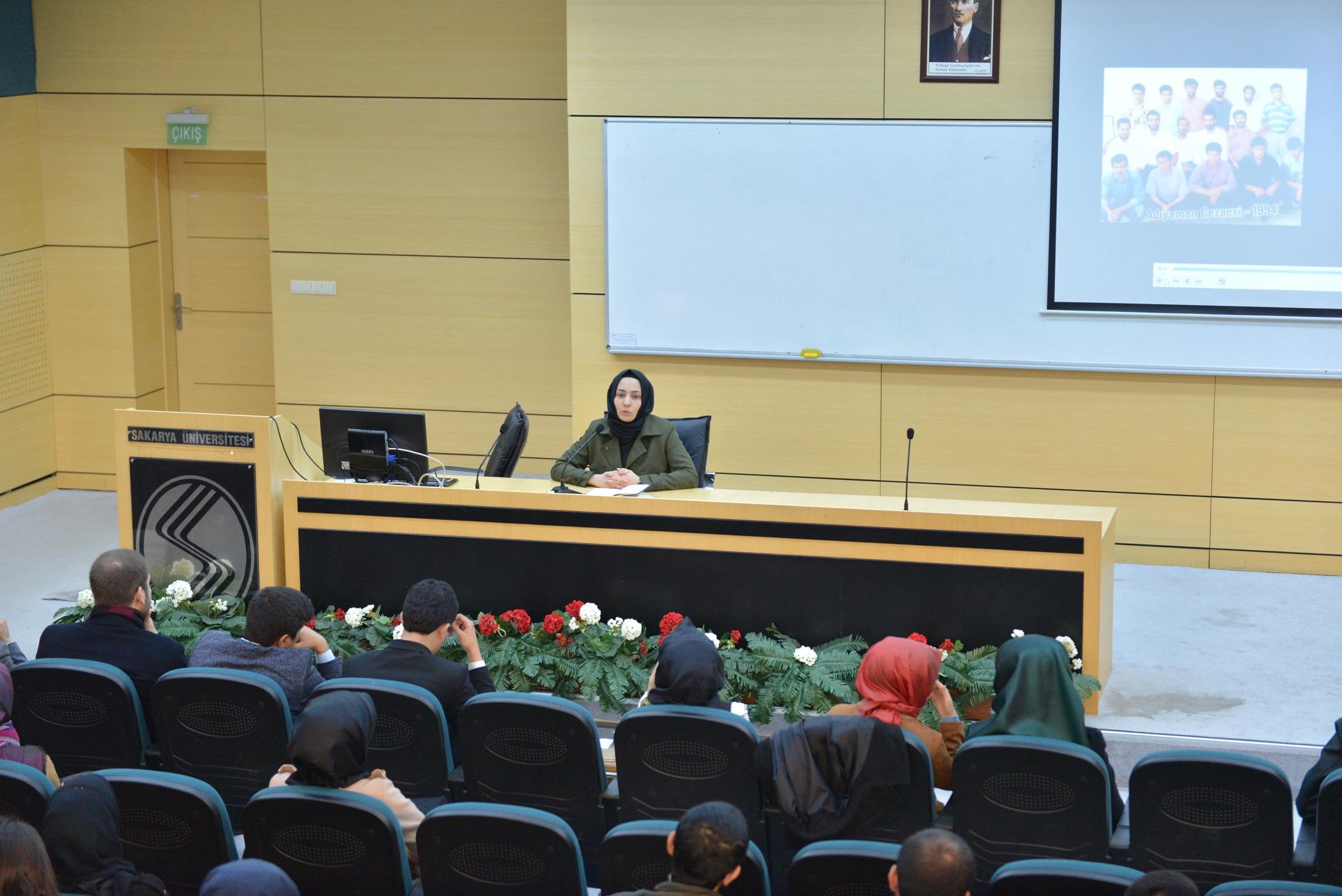 SAÜ'de  'İçerdeki 28 Şubat'adlı konferans gerçekleşti