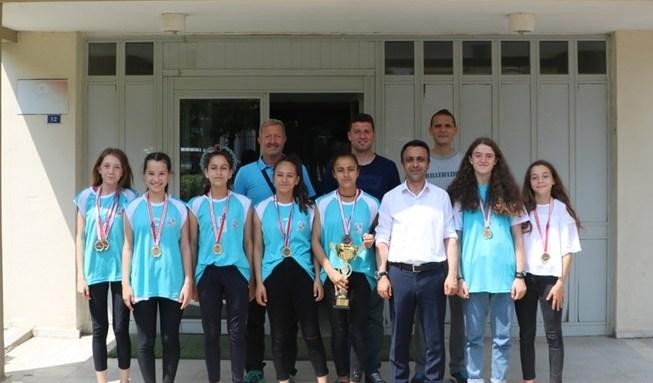 Şampiyon Arifiye Gençlikspor'dan Çelikel'e ziyaret