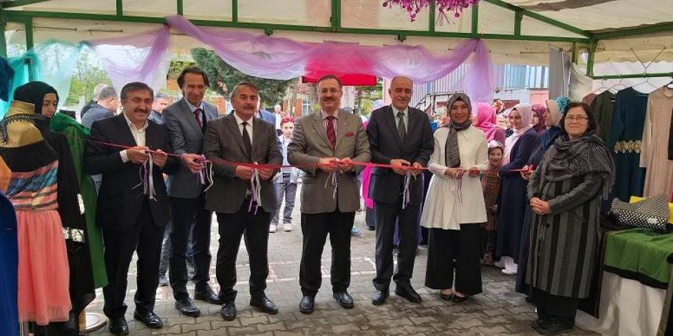 Yukarı Kirazca Mahallesi Halk Eğitim Merkezi Yılsonu Sergisi Açıldı