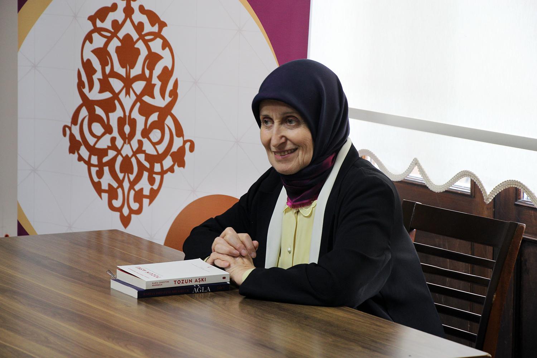 """""""Müslümanlık hayatıma yeni bir yol çizdi"""""""