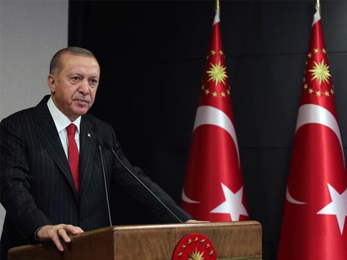 """""""TÜRK MİLLETİ, AZERBAYCANLI KARDEŞLERİNİN YANINDADIR"""""""