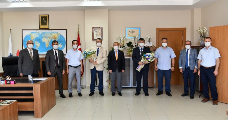 Sakarya Üniversitesi Tıp Fakültesinde Dekanlık Devir Teslim Töreni yapıldı.