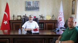 Eskrim Federasyonundan  İl Müdürü Arif Özsoy'a  Teşekkür Plaketi