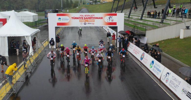 Bisiklet Vadisi şampiyona öncesi test yarışlarına ev sahipliği yaptı.
