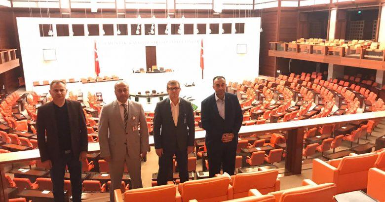 Akif Yener den Ankara çıkarması