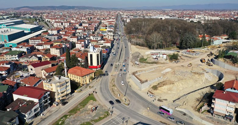 Köprülü kavşakta ulaşım alternatif güzergahlardan sağlanacak