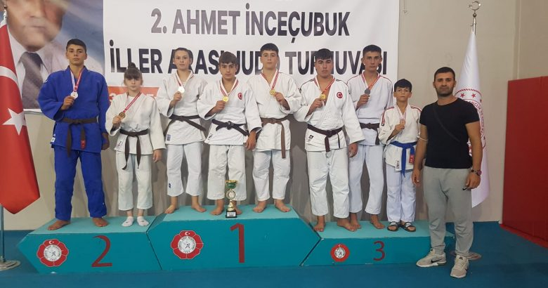 Judocular Sakaryayı gururlandırdı