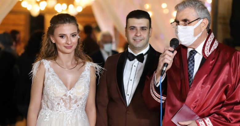 İrfan Çelik biricik oğlu Emircan'ı evlendirdi.
