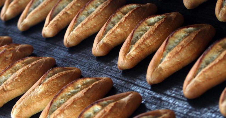 Ekmekte gramaj düştü fiyat aynı