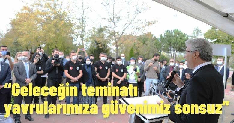 Büyükşehir, SAÜ'de 10 gence kurayla bisiklet hediye etti